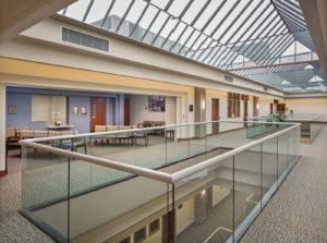 3rd floor Spacious and light hallways